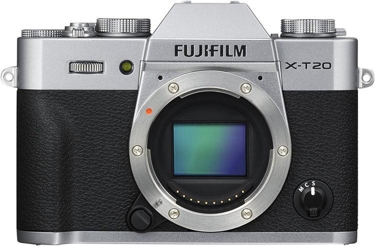 A close up of a camera Description automatically generated