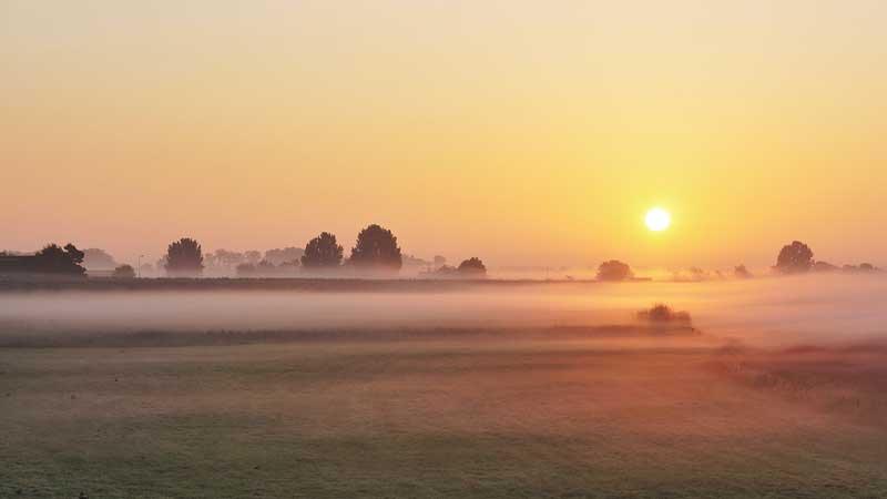 brouillard-matinal-lever-soleil