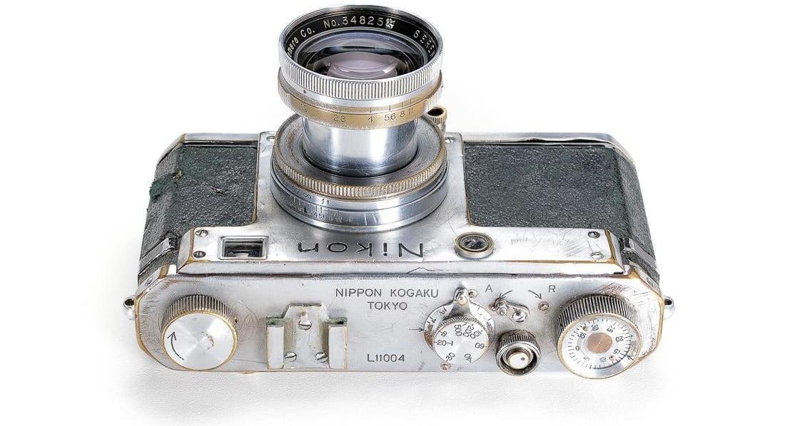 Nikon-L-vendu-aux-encheres-2